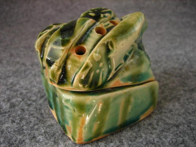織部陶小箱(16)